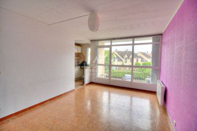 Appartement F2 / Idéal pour 1er achat / AUBERGENVILLE / Agence Principale Epone Immobilier